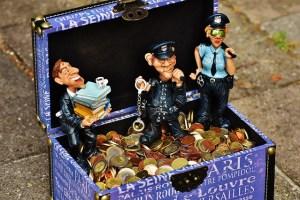 taxes-1669628_640