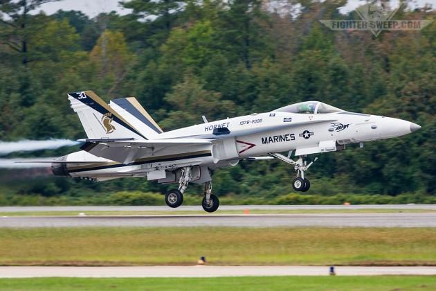 Ask A Fighter Pilot: Hornet vs Super Hornet!