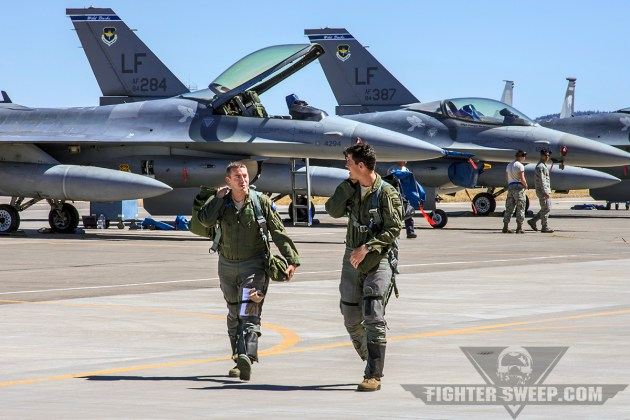Two pilots from the 309 FS at Luke Air Force Base return to the Ops building following a Local Area Orientation sortie at Kingsley Field, OR.