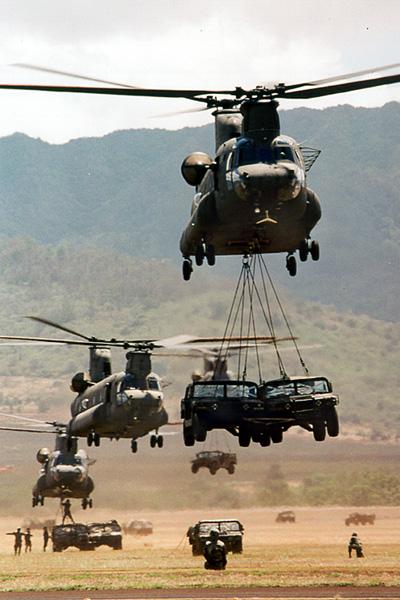 AIR_CH-47Ds_Lifting_HMMWVs_lg