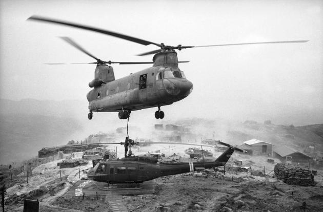 CH-47B Vietnam Huey Lift