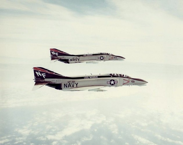 F-4Bs_VF-161_in_flight_1972