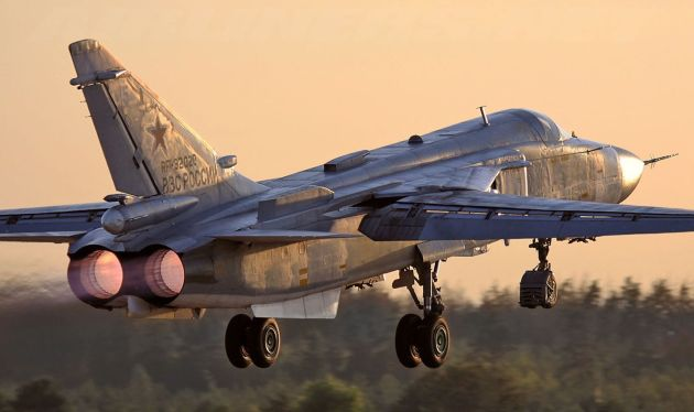 Head To Head: American F-16C versus Russian Su-24M