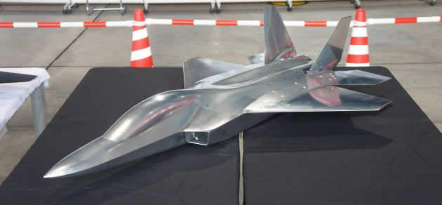 Japan Rolls To Test 5th-Generation Fighter Design