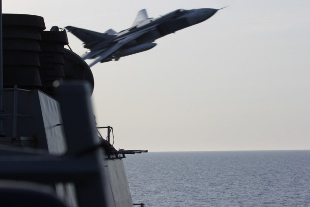 Russian Su-24 Dangerously Close To US Warship