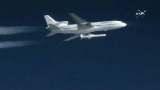 orbital-atk-stargazer-pegasus-rocket-satellite-launch