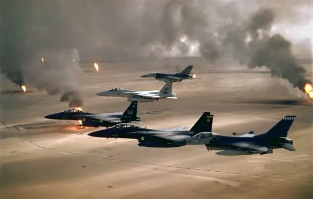 USAF_F-16A_F-15C_F-15E_Desert_Storm