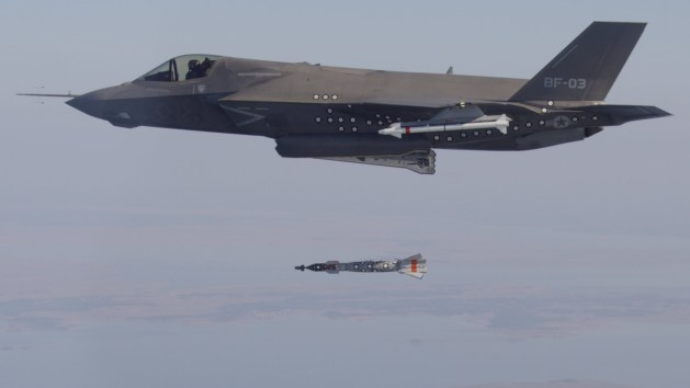 f-35-dropping-bomb