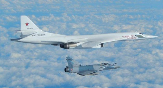 french-jet-escorting-russian-blackjack-bomber