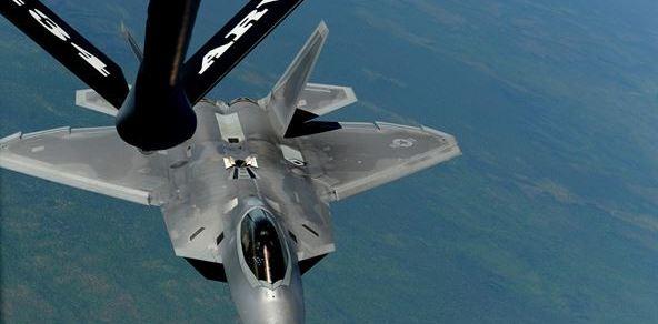 f-22-refueling-Australia-2