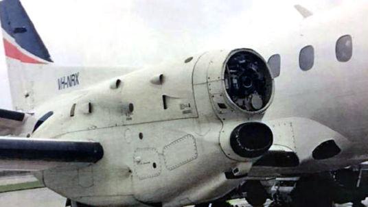 prop-falls-off-plane