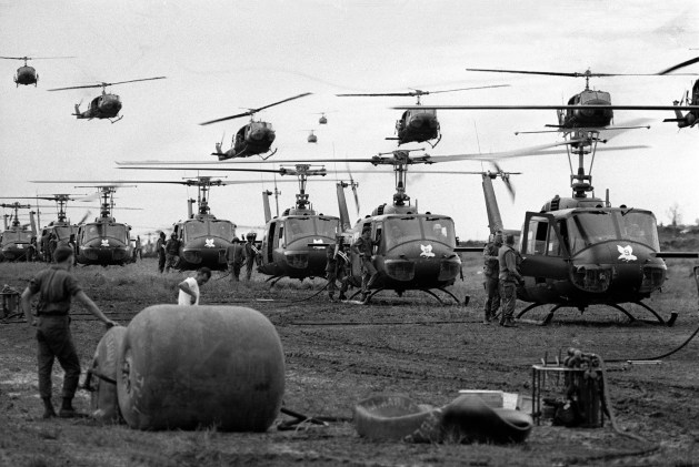 Huey helicopters in vietnam