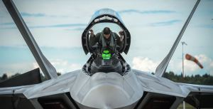 f-22-raptor-cockpit-canopy