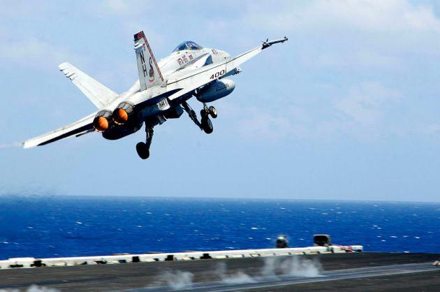 F-18C_VFA-86_USS_Nimitz_iranian_drone