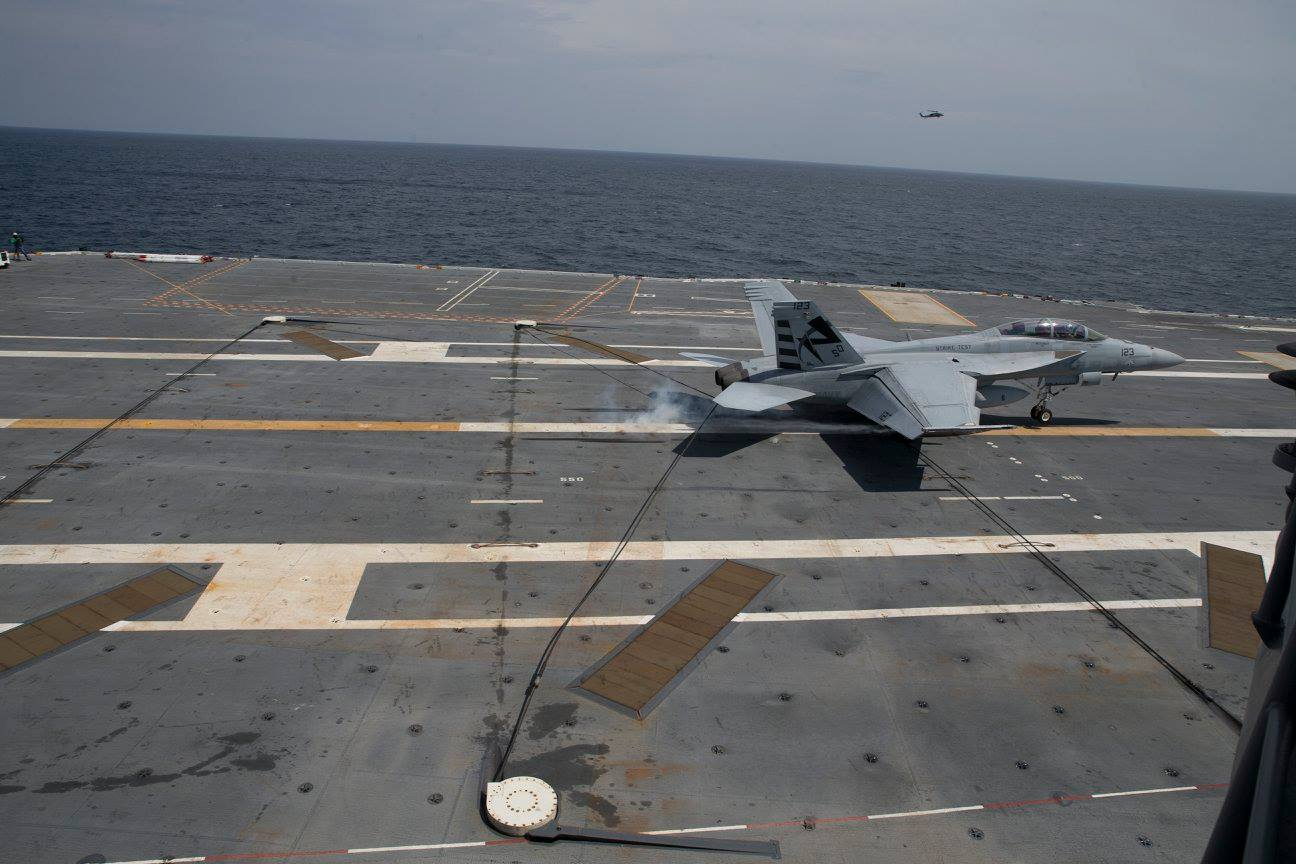 First USS Ford recover-f-18