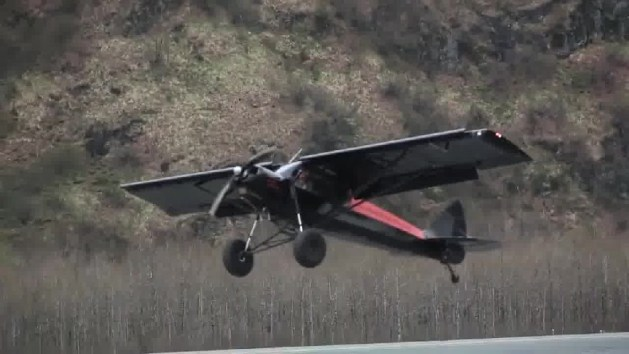 Worlds Record Shortest Landing piper cub