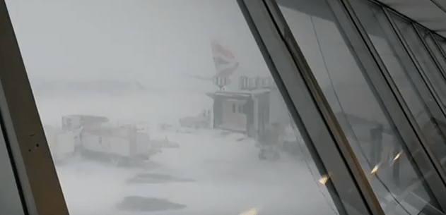 jfk_airport_bomb_cyclone_shutdown_delays