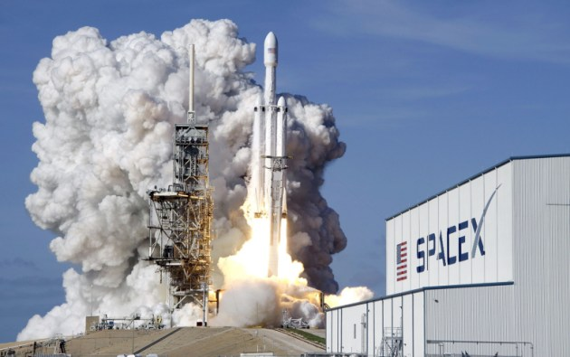 spacex-falcon-heavy-launch