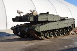 Leopard 2A4M CAN Tank