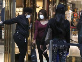 Dallas shoppers amid COVID-19 pandemic