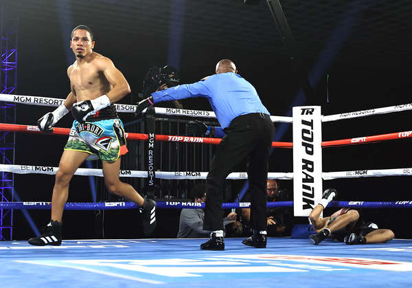 Felix Verdejo Vs Will Madera Knockdown