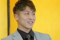 Inoue-aiming-at-his-third-belt11