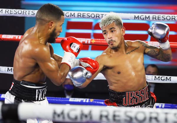 Jessie Magdaleno Vs Yenifel Vicente Action4