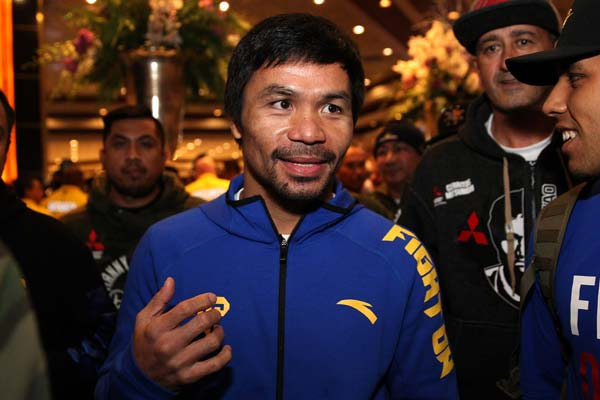 Pacquiao Arrival 190115 001