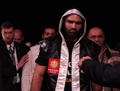 Miller Dinu Fight02