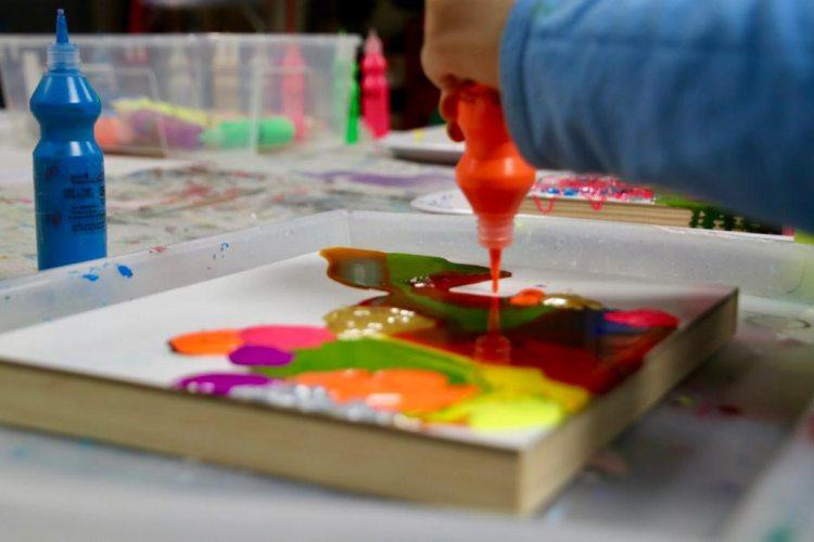 action art, Kid's drip painting, pour painting, STEAM, art class, art, Figment Creative Labs, Austin Texas,