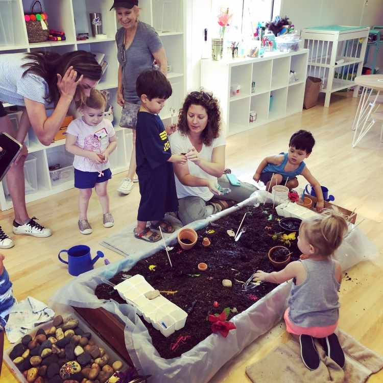 Figment Creative Labs, Austin Texas, Toddler Art Play Group, Amber Scardino