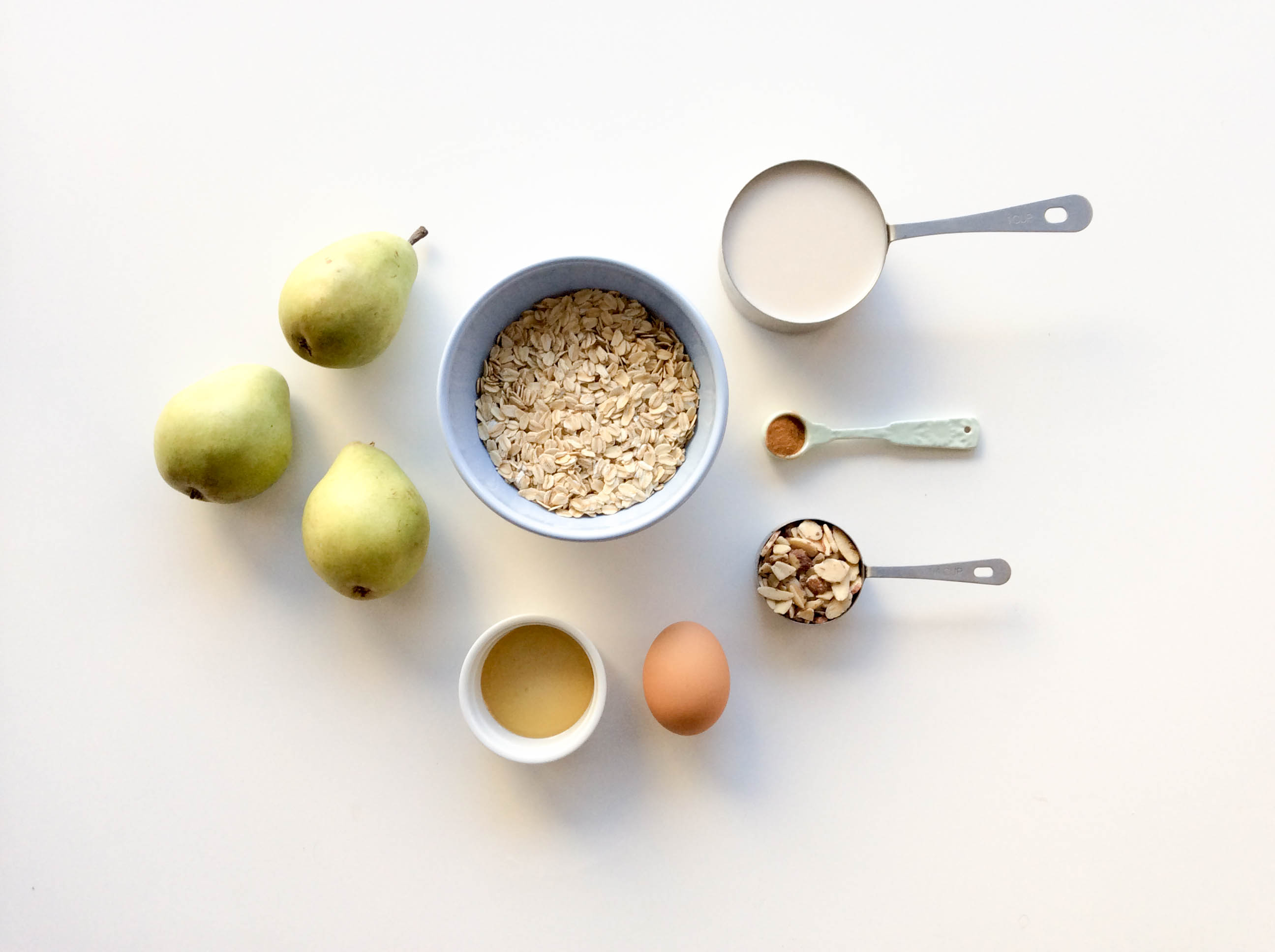 Almond Pear Oatmeal Bake