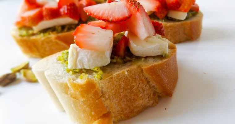 Strawberry Pistachio Brie Crostini