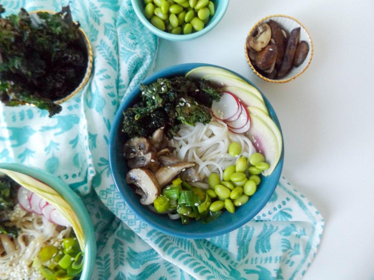 peanut rice noodle veggie bowls-6