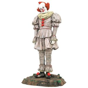 It 2 Pennywise statue