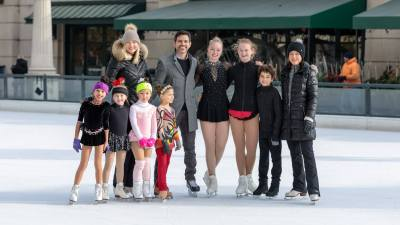 2018-millenium-park-ice-rink-anthony-ponce