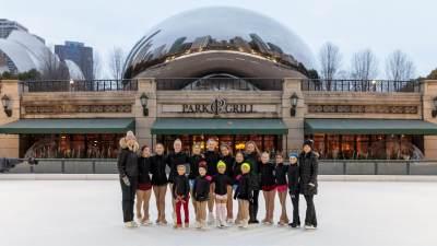 2018-millenium-park-ice-rink-group
