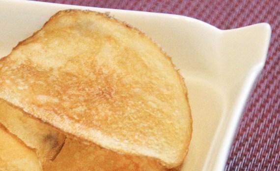 Tussendoortje thuis chips maken snacks Snack recept chips Homemade Handcooked Dutch Crisps hand gebakken chips gebakken aardappel gebakken Frituur Fingerfood chips maken chips frituren chips bakken chips Ambachtelijk aardappelen aardappel
