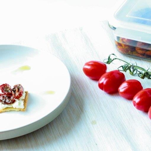 tros cocktailtomaatjes Tomaten drogen tomaat snoep tomaatjes roma tomaatjes red pearl tomaatjes recept gedroogde tomaatjes oven gedroogde tomaten Gedroogde tomaten maken gedroogde tomaten cherry tomaatjes