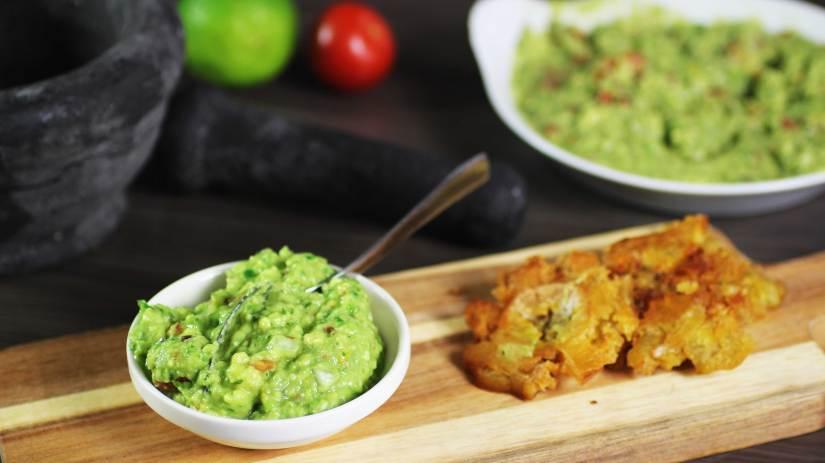 Avocado dip, guacamole saus met avocado