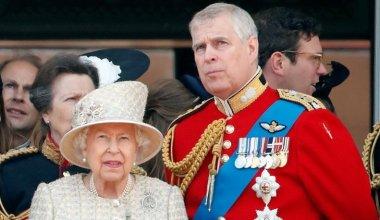 Kraliçe Cezayı Kesti…