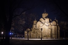 Nous repassons par le monastère, superbe dans la nuit, puis direction l'auberge.