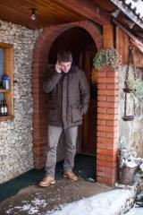 Le lendemain matin, Arnaud contacte les télévisions locales pour qu'elles viennent nous filmer. Les reportages passeront dans tous les foyers serbes du Kosovo et en Serbie : ainsi ils sauront que les Français sont à leurs côtés.