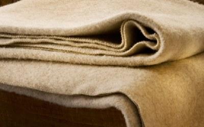 Comment nettoyer une couverture en pure laine ?
