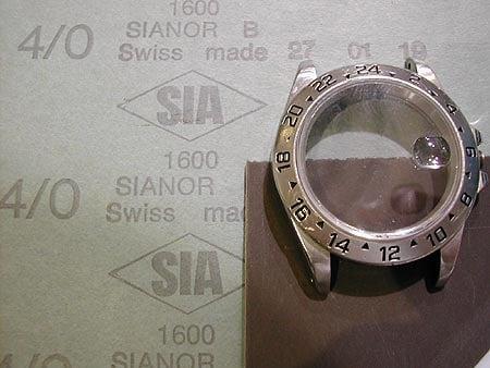 Làm mới đồng hồ tại nhà bằng giấy nhám 1600