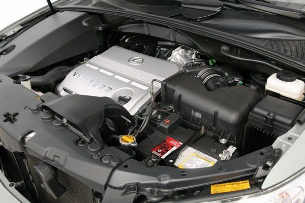 the 2005 Lexus RX330 under the hood
