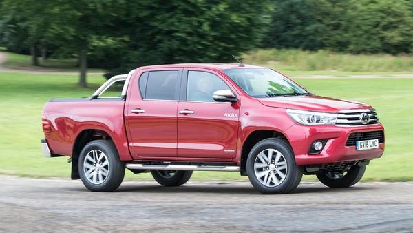 Toyota Hilux 2015 angular front