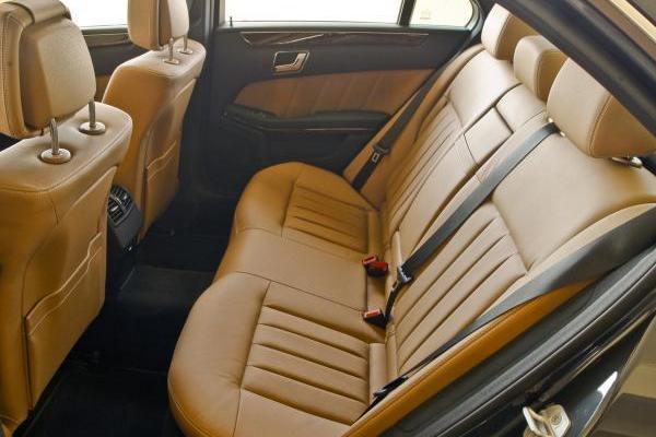 Mercedes-Benz E350 2010 seating