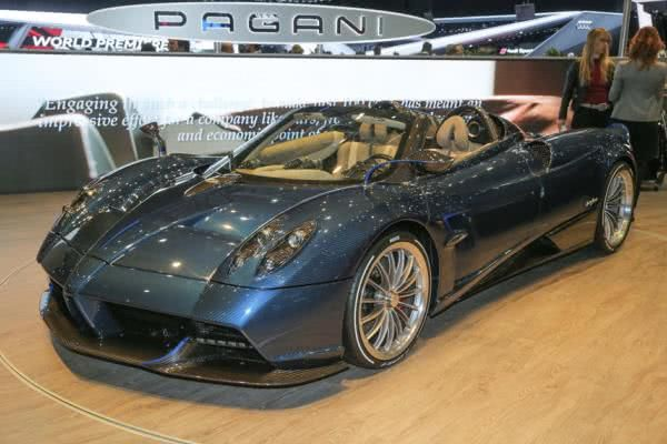The angular front of the Pagani Huayra Roadster