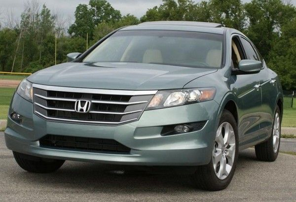 Honda Crosstour 2010 front view